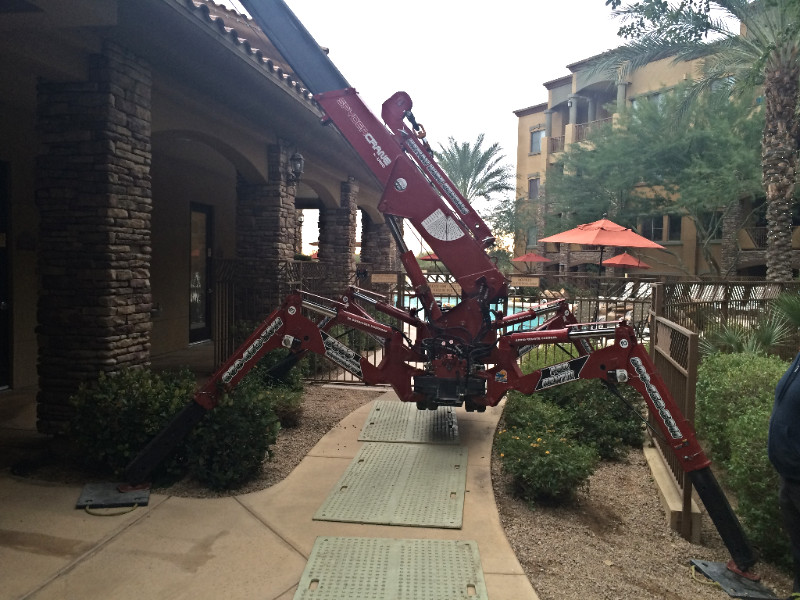 SPYDERCRANE (Spider Crane) in a Confined Space